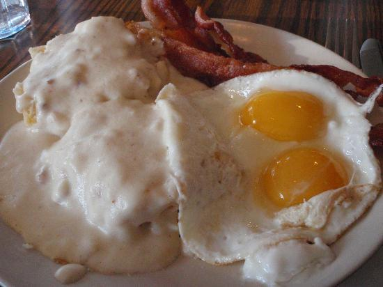 biscuit gravy eggs