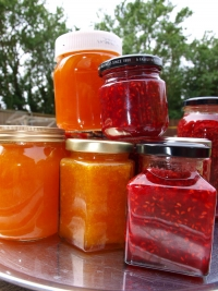 raspberry and apricot jams
